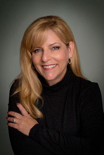 Melissa Sobotkaheadshot